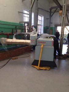 Такелаж и установка лазерного оборудования фото
