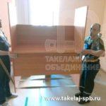 Перевозка мебели с грузчиками в Петергофе
